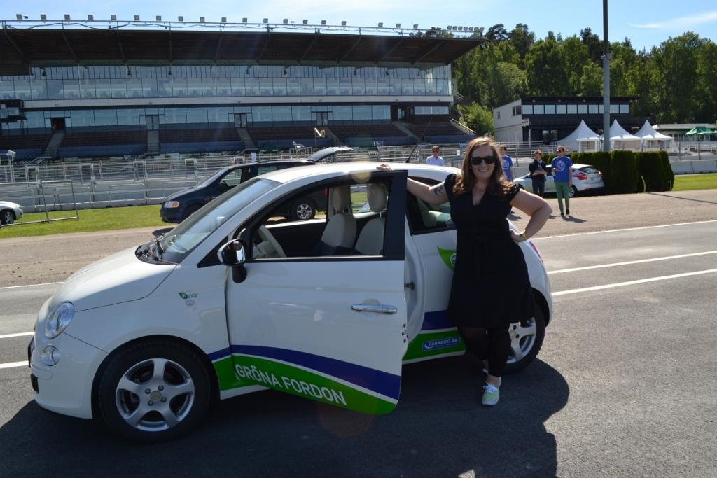 Jag och en e-car. Foto Joakim Westman