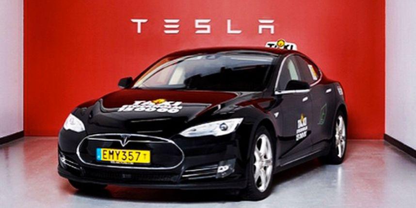 Taxi Stockholm kör Tesla