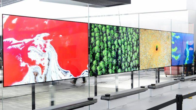 W7 wallpaper OLED TV på CES
