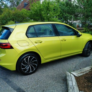 VW Golf eTSI – test (film)
