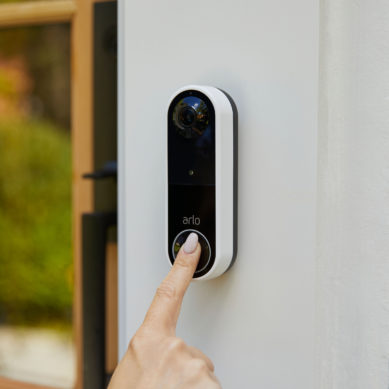 Arlo lanserar essential wire-free video doorbell