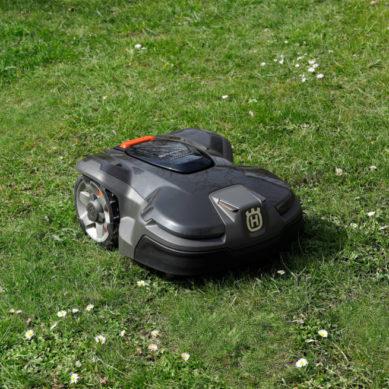 Husqvarna Automower® blir en del av Google Homes smarta system